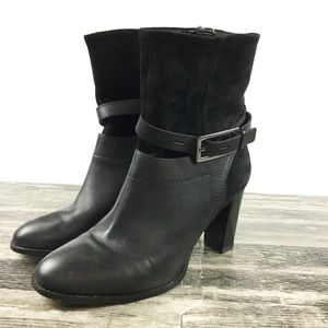 Clark's Boots Size 8.5 Black Leather Suede